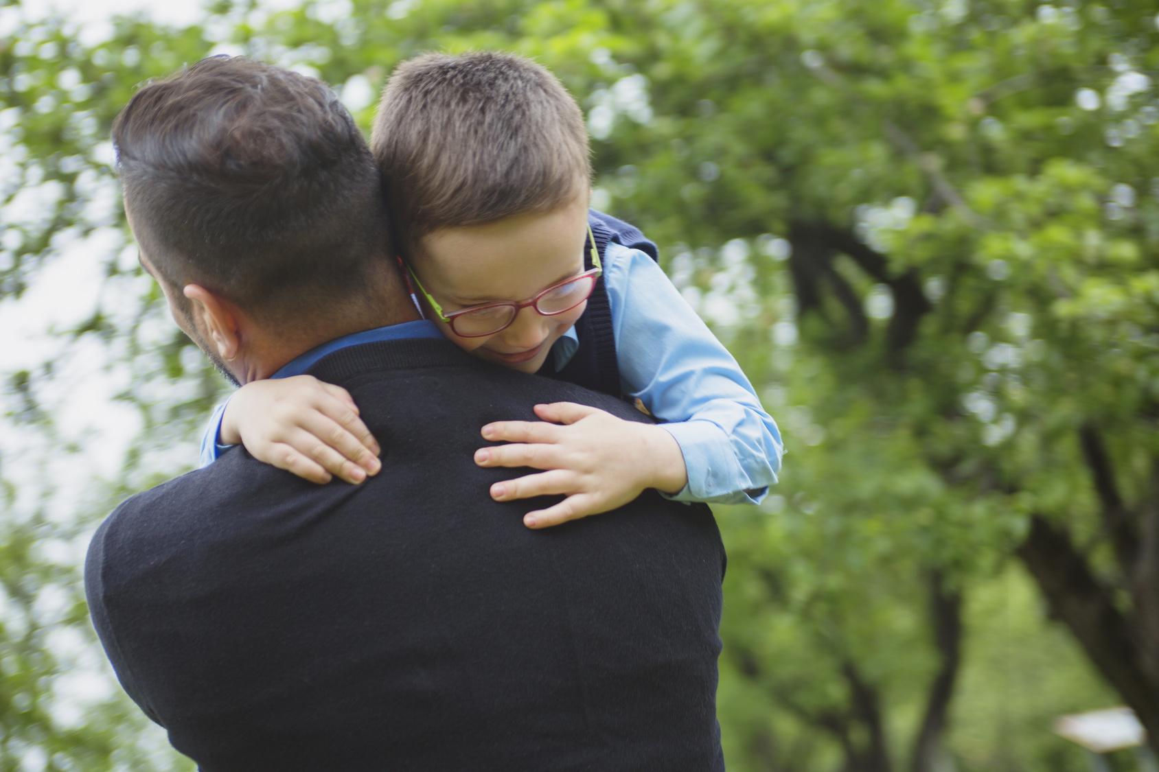 children need hugs daily